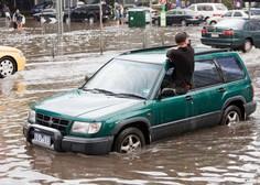 V Avstraliji ob vse slabših poplavnih razmerah evakuirali na tisoče ljudi