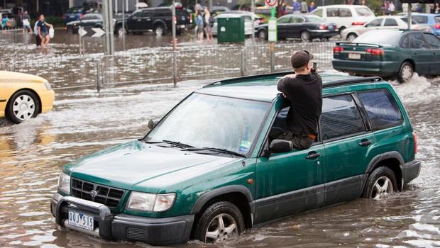 V Avstraliji ob vse slabših poplavnih razmerah evakuirali na tisoče ljudi (foto: Profimedia)