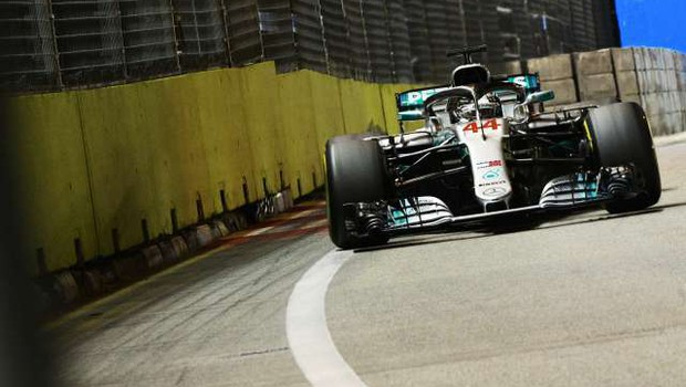 Tekmeci spet lovijo Hamiltona, ta pa lovi nove rekorde (foto: Xinhua/STA)