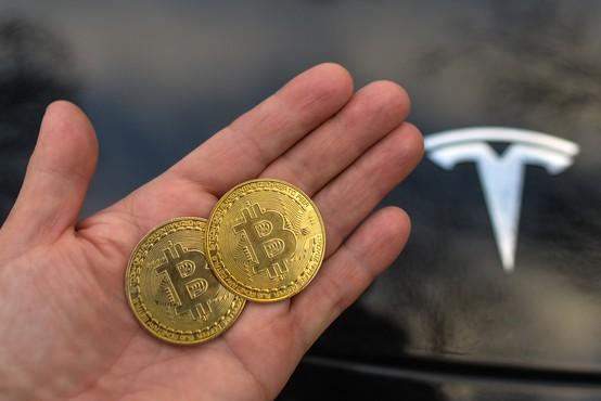 Tesla uradno začel sprejemati plačila v bitcoinih
