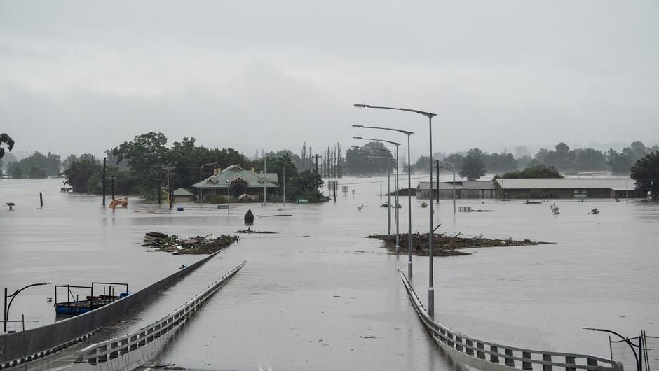 Poplave v Avstraliji zahtevale prvo življenje (foto: Profimedia)