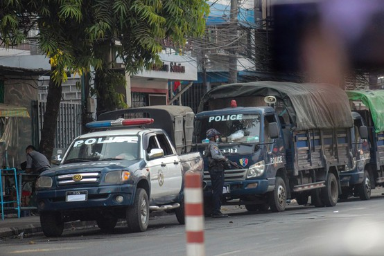 Mjanmarska vojska ob dnevu oboroženih sil ostro nad protestnike, med mrtvimi tudi otroci