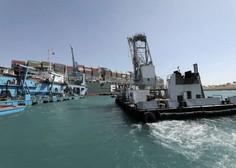 Skozi Sueški prekop spet stekel promet