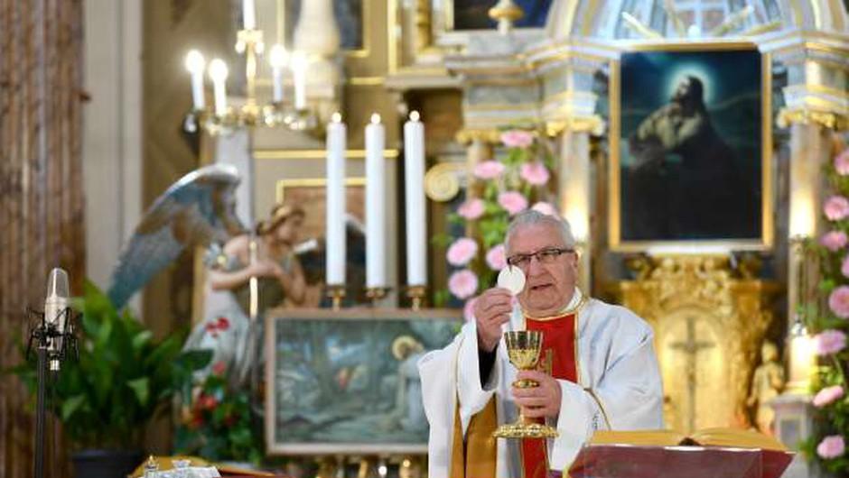 Kristjani na veliki četrtek začenjejo sveto tridnevje (foto: Tamino Petelinšek/STA)