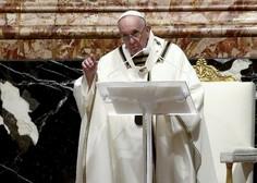 Papež pozval k večji solidarnosti pri delitvi cepiva in h koncu oboroženih konfliktov
