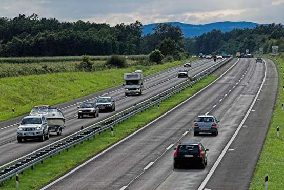 Na Hrvaškem načrtujejo dodatne omejitve za voznike
