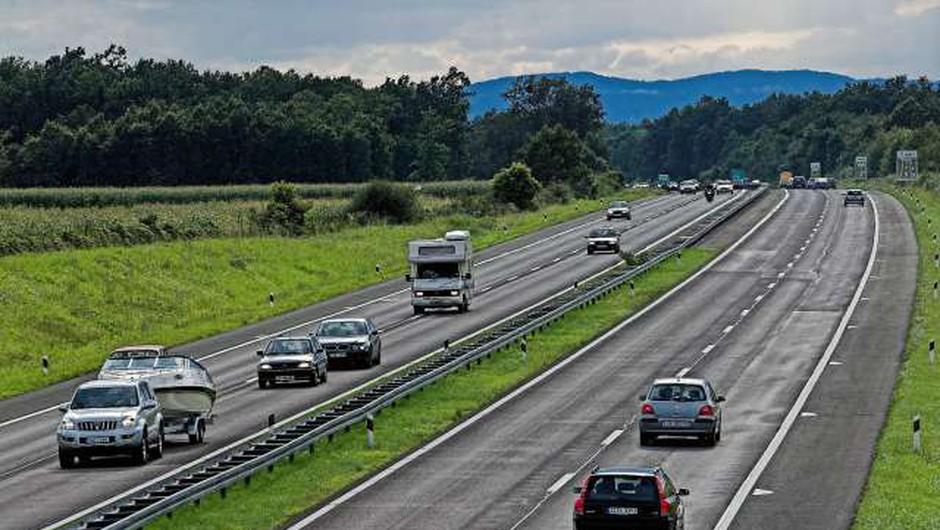 Na Hrvaškem načrtujejo dodatne omejitve za voznike (foto: Hina/STA)