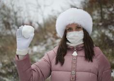 Sedemdnevno povprečje potrjenih okužb znaša 943
