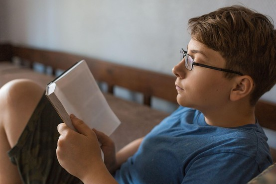Novi romani za mladino, med njimi nominiranec za bookerja
