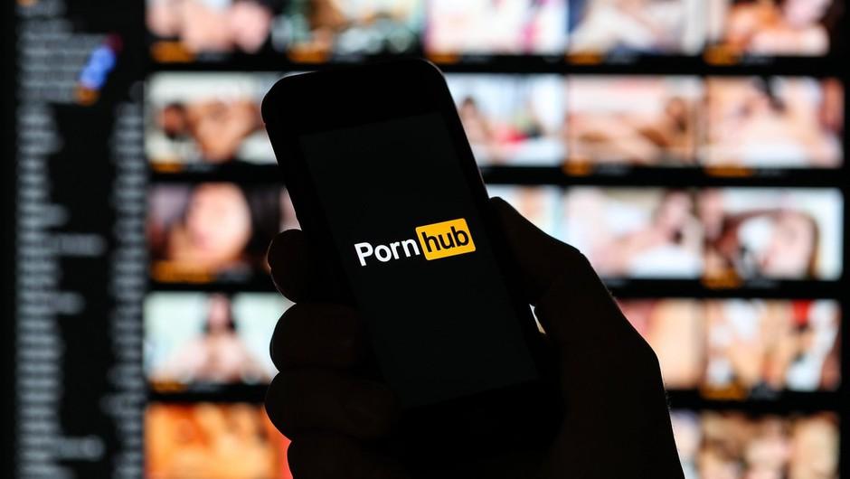 """""""Našel sem ljubezen, zato se poslavljam s Pornhuba,"""" je zapis, ki je te dni obsedel internet (foto: profimedia)"""