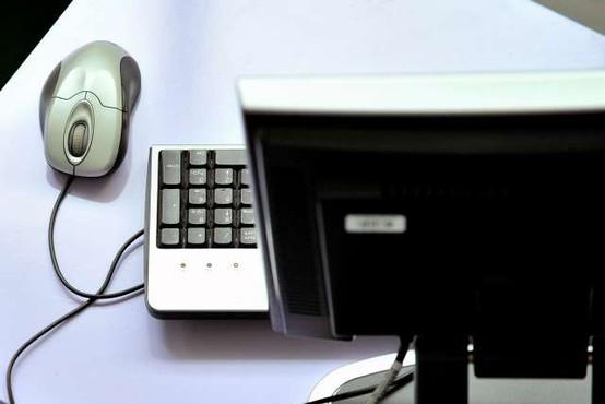 Oškodovanki se je klicatelj predstavil kot računalniška tehnična pomoč