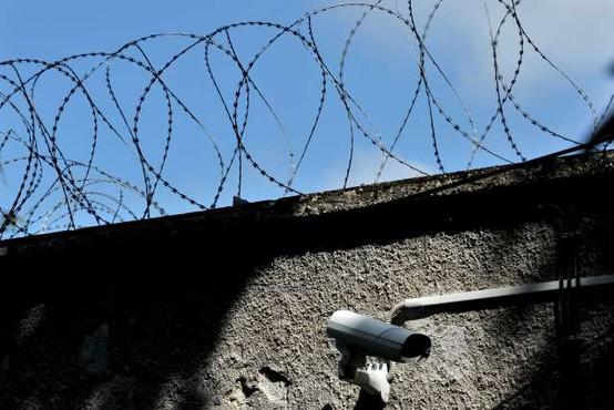 Slovenija uvrščena med države z najbolj prenatrpanimi zapori