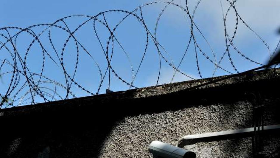 Slovenija uvrščena med države z najbolj prenatrpanimi zapori (foto: Tamino Petelinšek/STA)
