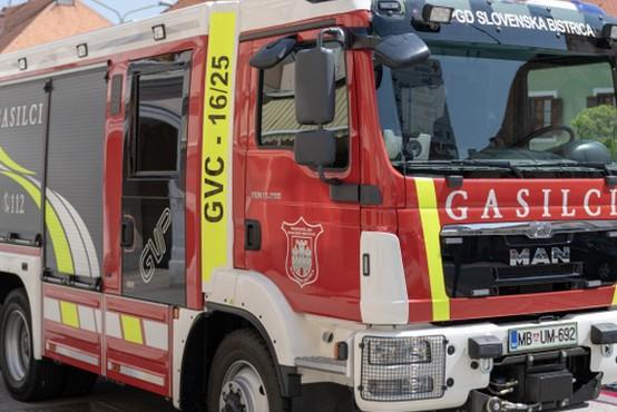 V četrtek zvečer zgorel priljubljeni planinski Dom na Osankarici, gasilcem uspelo rešiti muzej