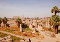 Po več tisočletjih pokopano mesto blizu Luksorja prihaja izpod peska spet na dan