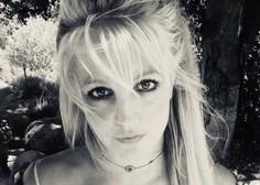 Britney Spears se pošali in citira Borata na poti s cepljenja proti covidu