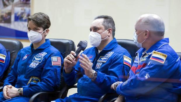 60 let po prvem poletu v vesolje je na vesoljsko postajo ISS poletela rusko-ameriška posadka (foto: profimedia)