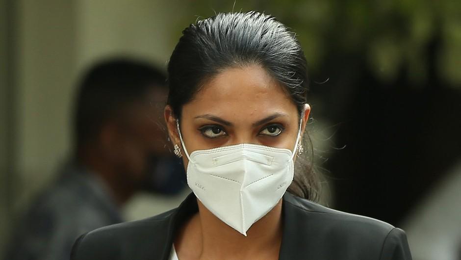 Gospa sveta aretirana, ker je z glave aktualne gospe Šrilanke iztrgala krono (foto: profimedia)