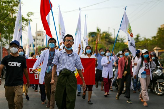 Mjanmarska vojska ne popušča pri nasilnem zatiranju protestov