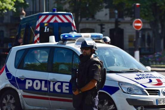 V streljanju pred pariško bolnišnico en mrtev