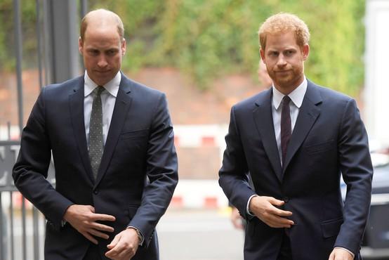 Princa William in Harry sta se poklonila preminulemu dedku
