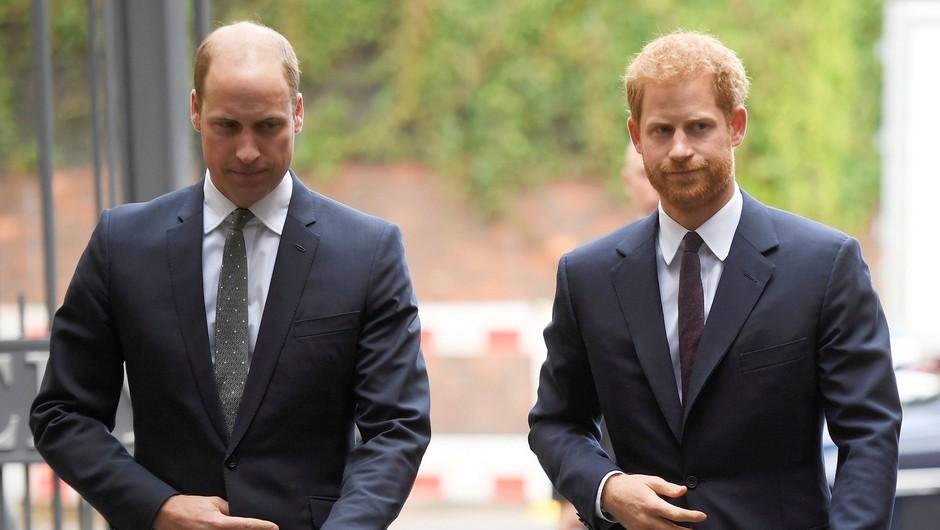 Princa William in Harry sta se poklonila preminulemu dedku (foto: Profimedia)