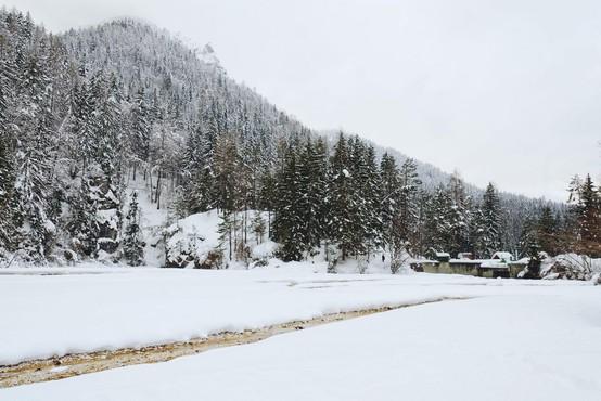 Torkovo jutro bo marsikje po Sloveniji spet sneženo