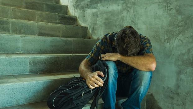 Vse več duševnih stisk med mladimi; po pomoč se lahko obrnejo na številne naslove (foto: Shutterstock)