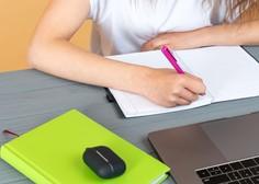 Zaradi zamude pri dobavi testov v petek še ne bodo začeli s samotestiranjem v srednjih šolah