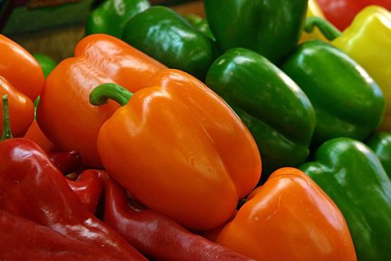 V nemških trgovinah so drastično poskočile cene zelenjave! Kilogram paprike zdaj stane ...