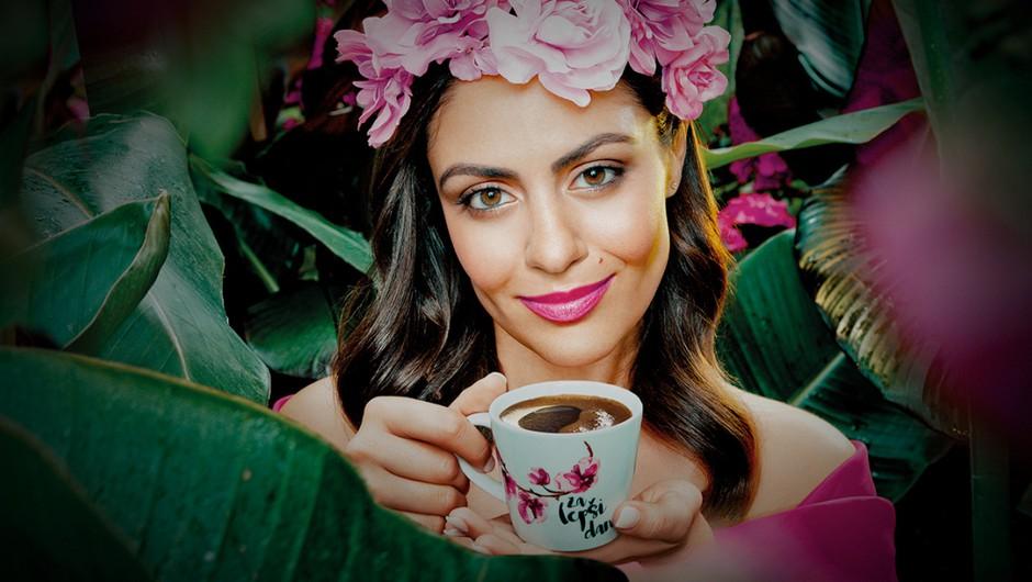 Pogrešate kavo iz gostinskih lokalov? Takole si jo lahko pričarate doma (še pred njihovim odprtjem!) (foto: Promocijsko gradivo)