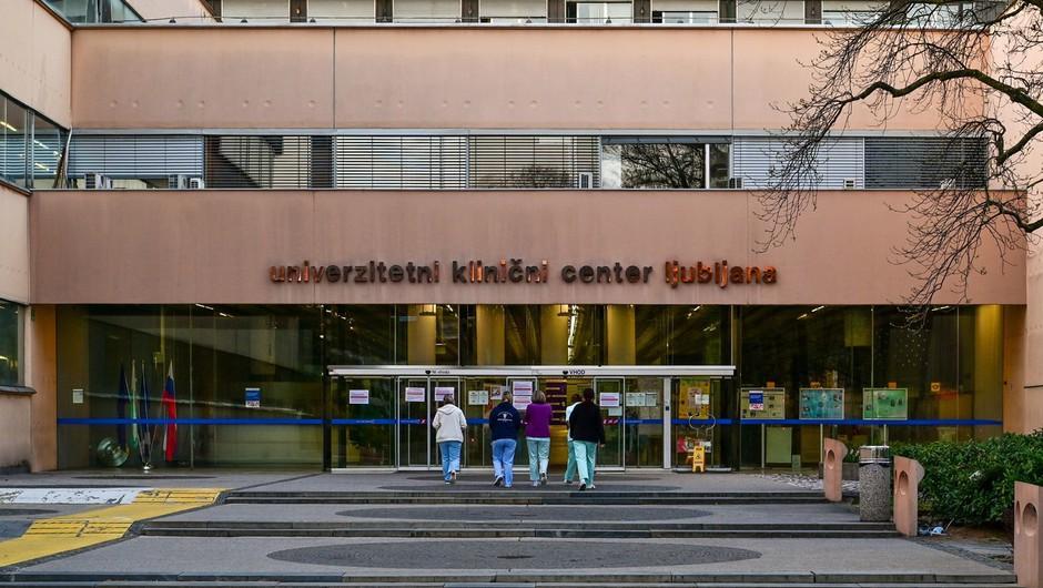 Na UKC nekateri zdravniki prejemali dodatke, njihovo lažno prisotnost pa evidentiral kar varnostnik (foto: Profimedia)