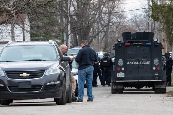V strelskem napadu v podjetju FedEx najmanj osem žrtev, storilec si je sodil sam