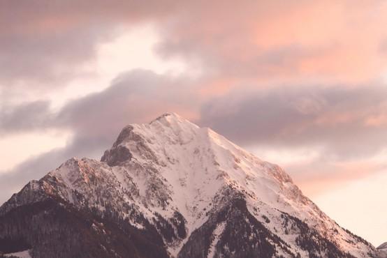 Slovenske gore v dveh dneh vzele dve življenji, po turni smučarki omahnil v globino še alpinist