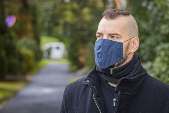 Sedemdnevno povprečje okužb se je zmanjšalo na 706