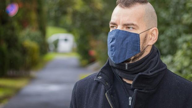 Sedemdnevno povprečje okužb se je zmanjšalo na 706 (foto: Profimedia)