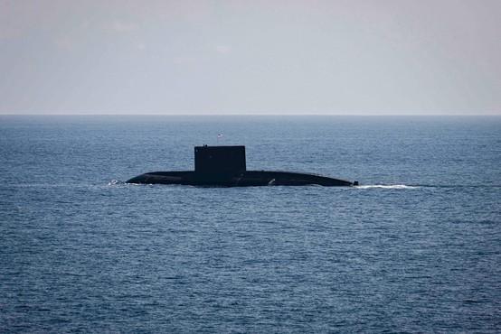 Indonezijska vojska išče podmornico s 53 mornarji