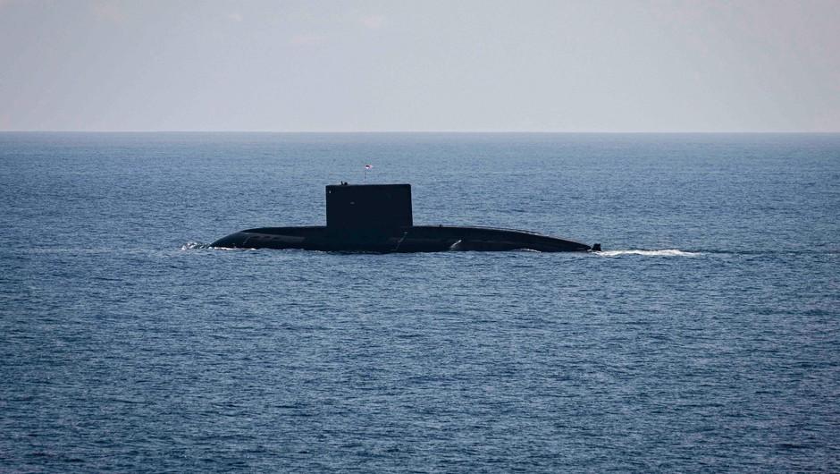 Indonezijska vojska išče podmornico s 53 mornarji (foto: Profimedia)