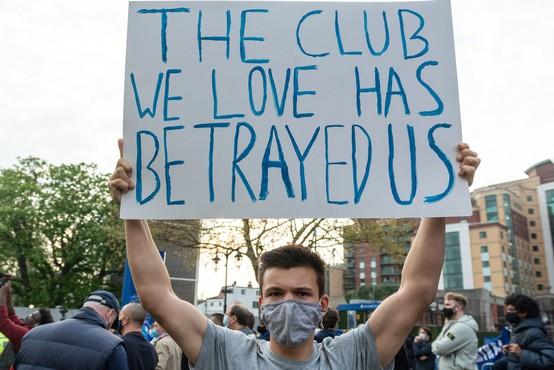 Ustanovitev superlige očitno ne bo uspela, šest angleških klubov izstopilo, podobno naj bi razmišljali tudi ostali