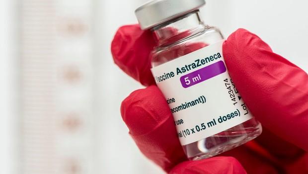 Cepljeni 80+ s podobno zaščito pri Pfizerju in AstraZeneci (celični odziv celo močnejši pri AstraZeneci) (foto: profimedia)