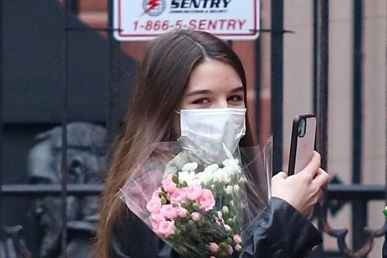 Suri Cruise je stara 15 let (in na las podobna mami Katie v njenih mlajših letih)