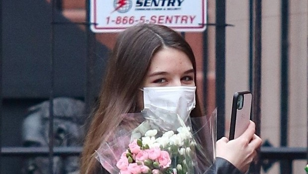 Suri Cruise je stara 15 let (in na las podobna mami Katie v njenih mlajših letih) (foto: profimedia)