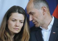 Urški Bačovnik Janša in otrokoma neznanec zagrozil s smrtjo, poroča Večer
