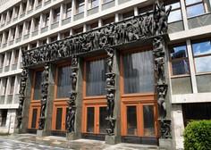 Vlada zavrača stališče vrhovnega državnega tožilstva glede zakonitosti izrečenih glob