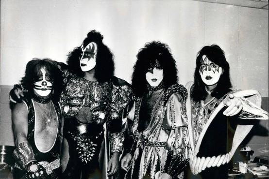 Netflix se dogovarja za snemanje filma o legendarni rockovski skupini Kiss