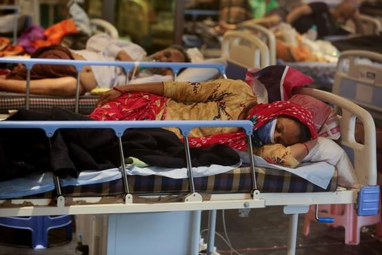 V Indijo prihaja tuja pomoč za boj s koronavirusom