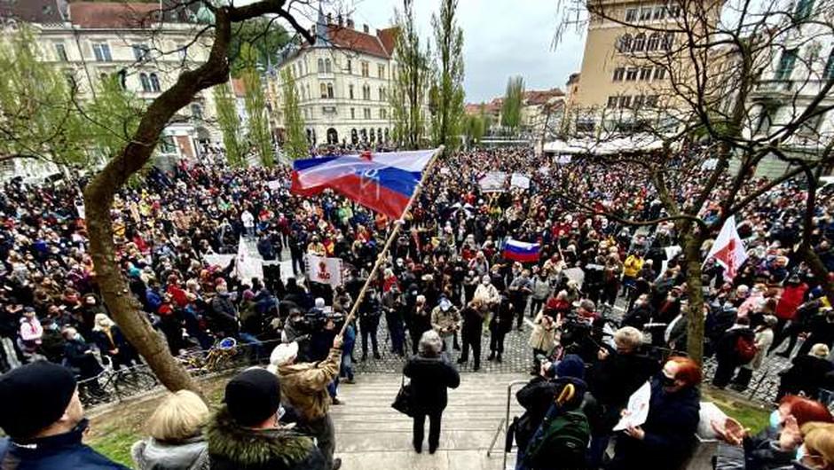 Na Prešernovem trgu shod za svobodo, povezovanje in spoštovanje (foto: Daniel Novakovič/STA)