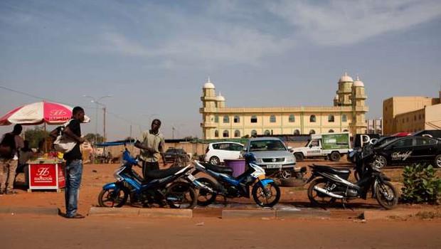 V napadu v Burkina Fasu ubiti trije evropski državljani (foto: Xinhua/STA)