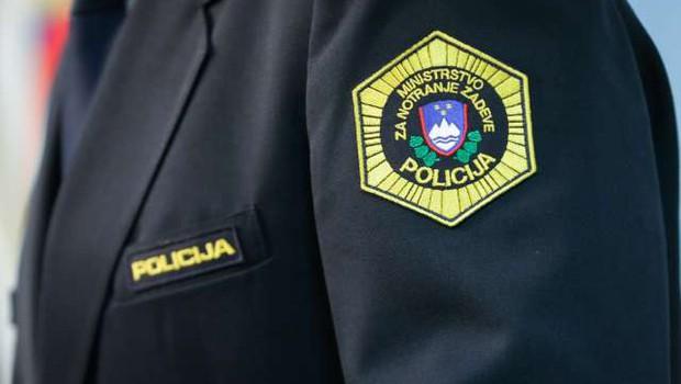 Po letu dni dela slovenski policisti razbili celico Kavačkega klana pri nas (foto: Anže Malovrh/STA)