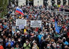 Po ocenah policije na torkovem shodu v Ljubljani okoli 10.000 protestnikov